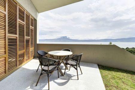 salon terrasse design - case-del-lago par Juan Ignacio Castiello Arquitectos - San Juan Cosalá, Mexique