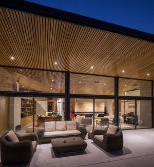 salon terrasse design nuit House-Molino par Mariano Molina Iniesta, Espagne