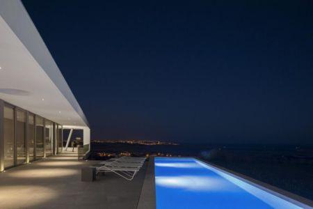 salon terrasse & piscine nuit - zauia-house par mario martins atelier - Val da Lama, Portugal