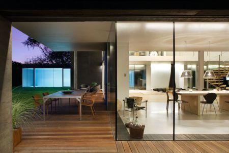 salon terrasse design & séjour - safe-house par Robert Konieczny – KWK Promes - Varsovie, Pologne