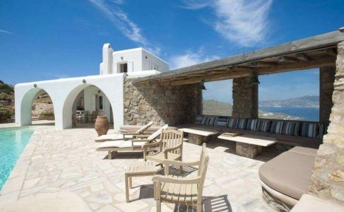 salon terrasse abris en pierre- villa-grecque - île Mykonos, Grèce
