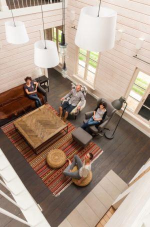 salon vue aérienne - Ranch par Aketuri Architekai - Lituanie