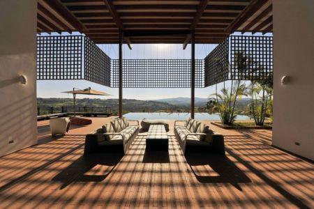 salon & vue paysage - Quinta-House par CANDIDA TABET ARQUITETURA - São Paulo, Brésil