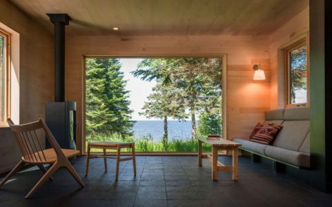 salon & vue sur lac - Lake-House par David Salmela -  Wisconsin, USA