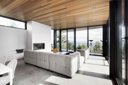 Salon & îlot Central De Cuisine - V-Shaped-Residence Par Bourgeois Lechasseur - Charlevoix, Canada