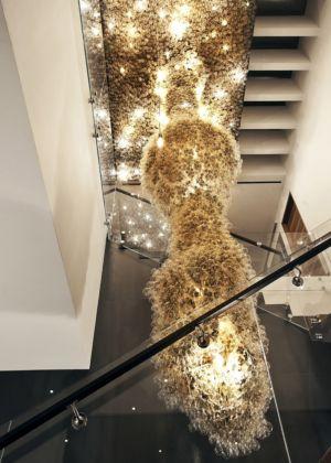 sculpture d'ampoules allumées - Tresarca House par assemblageSTUDIO - Las Vegas, Nevada, Usa