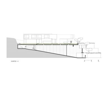 site section 2 - House-Hillside par Benavides & Watmough arquitectos - Santiago, Pérou