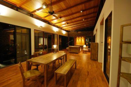 s&jour et salon de nuit - Nature House par JUNSEKINO Architect - Changwattana, Bangkok, Thaïlande