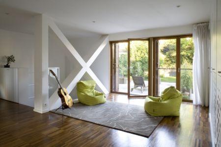 soirtie extérieure terrasse - Maison R - Colboc Franzen & Associés - France - Photos © Cécile Septet