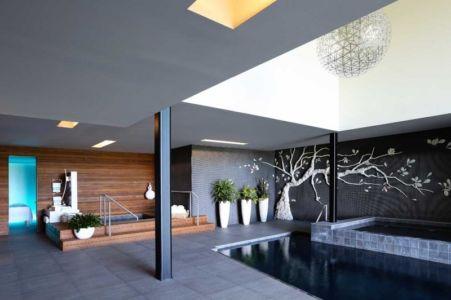 spa et piscine intérieure Sands Point Residence par Narofsky Architecture Long Island Usa | + d'infos