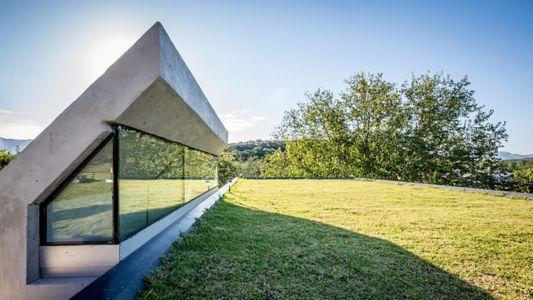 surélévation vitrée - House in Q2 par Santiago Viale - Mendiolaza, Argentine