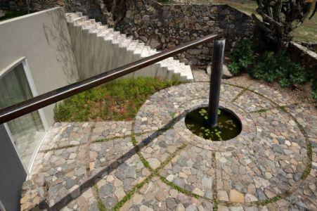 système hydraulique cours d'eau - case-del-lago par Juan Ignacio Castiello Arquitectos - San Juan Cosalá, Mexique
