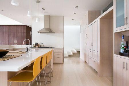 table cuisine - Malibu House par Dutton Architects - Usa