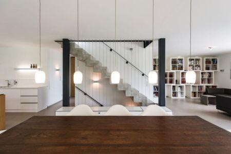 table séjour - despang par Despang Schlüpmann Architekten - Allemagne