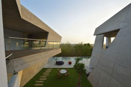 terasse salon design - Alibaug-House par Malik Architecture - Maharashtra, Inde
