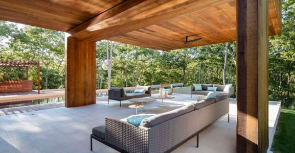 terrasse - Hamptons Home In The Woods par Rangr Studio - Southampton, New York, Usa