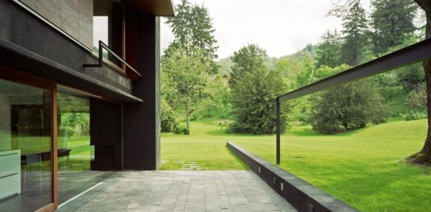 terrasse - NM House par GEZA Gri et Zucchi Architetti Associati - Tarcento, Italie
