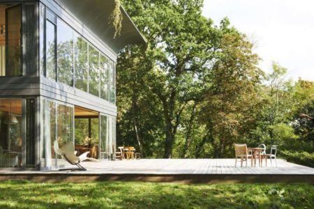 terrasse - P.A.T.H par Philippe Starck et Riko - Montfort, France