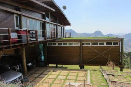terrasse - Paraglider House par Cabana Arquitetos - São Bento do Sapucaí, Brésil