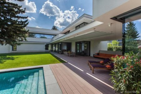 terrasse - Reviving Mies par Architéma - Buda Hills, Hongrie