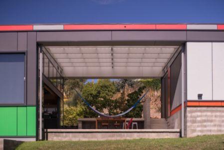 terrasse - Southern outlet house par Philip M-Dingemanse - Launceston, Australie - photo Jonathan Wherrett