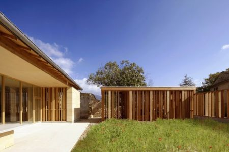 terrasse - Stone house par Carl Fredrik Svenstedt architecte - Vallée du Luberon, France