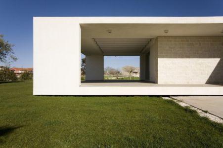 terrasse abritée - Villa T by Architrend Architecture - Ragusa, Sicile, Italie