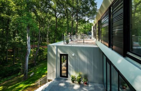 terrasse balcon - Bridge House par Höweler + Yoon Architecture - McLean, Usa