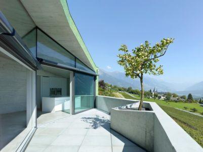 terrasse balcon - Maison Iseli par François Meyer architecture - Venthôme, Suisse