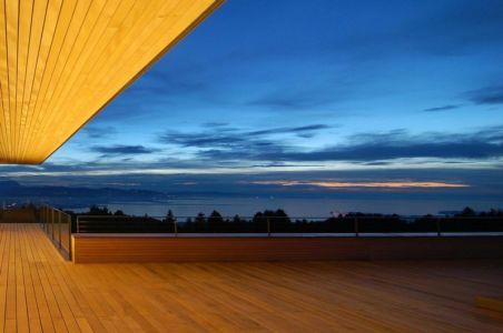 terrasse bois balcon - house-dornbirn par KM Architektur en Suisse