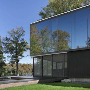terrasse côté - Private Residence St-Sauveur par Saucier + Perrotte architectes - Saint-Sauveur, Canada