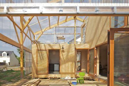 terrasse couverte - Maison D par Fouquet Architecture - Coueron, Loire-Atlantique, France.jpg