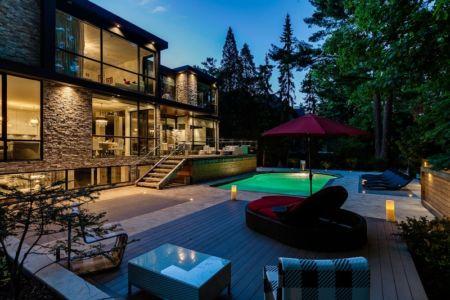 terrasse de nuit - Ashley Park House par Barroso Homes - Toronto, Canada