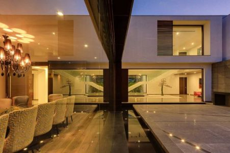 terrasse de nuit - Center Court Villa par DADA Partners - New Delhi, Inde