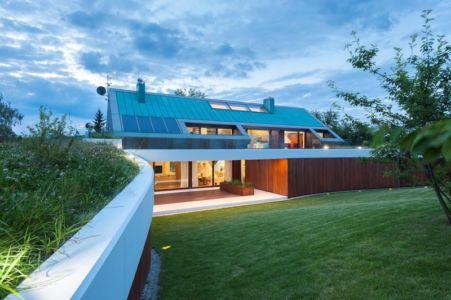terrasse de nuit - Edge House par Mobius Architekten, Pologne