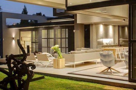 terrasse de nuit - House Sar par Nico van der Meulen Architects - Johannesbourg, Afrique du Sud
