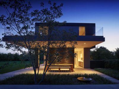 terrasse de nuit - Orchard House par Stelle Lomont Rouhani Architects - Sagaponack, Usa