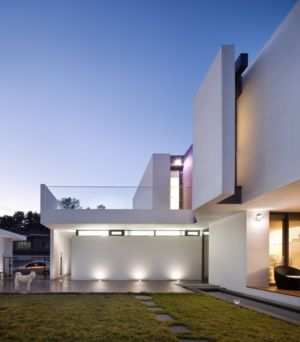 terrasse de nuit - Woljam-ri House par JMY architects - Gyeongsangnam-do, Corée du Sud