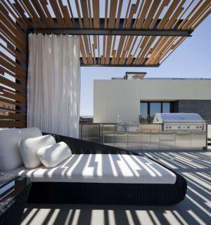 terrasse et barbecue - Tresarca House par assemblageSTUDIO - Las Vegas, Nevada, Usa