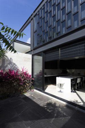 terrasse et cuisine - Montebello 321 par Jorge Bolio Arquitectura - Merida, Mexique