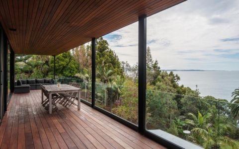 terrasse et panorama - 25A Duncansby par Iconic Homes - Whangaparaoa, Nouvelle-Zélande