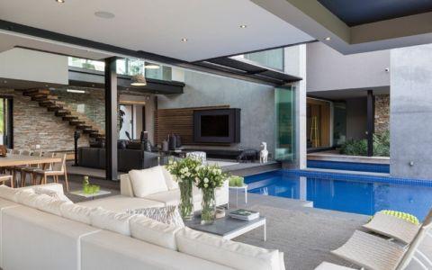 terrasse et piscine - House Blair Atholl par Nico van der Meulen Architects - Blair Atholl, Afrique du Sud