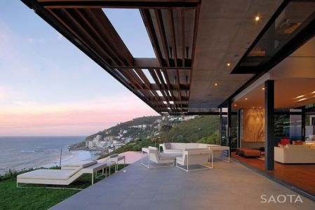 terrasse et salon - Kloof 151 par SAOTA - Clifton, Afrique du Sud