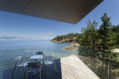 terrasse extérieure - Tula House par Patkau Architects - Quadra Island, Canada