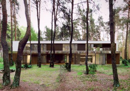 terrasse façade - Izabelin House par REFORM Architekt - Varsovie, Pologne