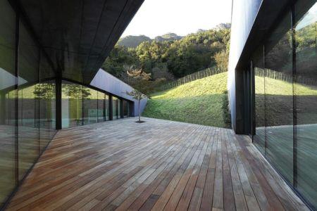 terrasse intérieure - Alps Villa par Camillo Botticini Architect - Brescia, Italie