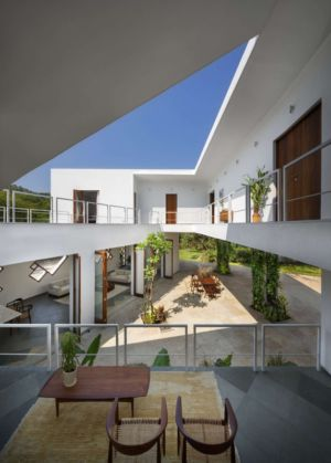terrasse intérieure - Tomoe Villas par Note Design - ALibag, Inde