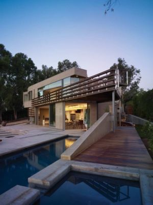 terrasse - maison pierres par Chesler Construction - Californie, USA