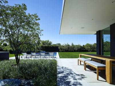 terrasse piscine - Orchard House par Stelle Lomont Rouhani Architects - Sagaponack, Usa