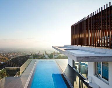 terrasse piscine - Prodromos and Desi Residence par VARDAstudio - Paphos, Chypre